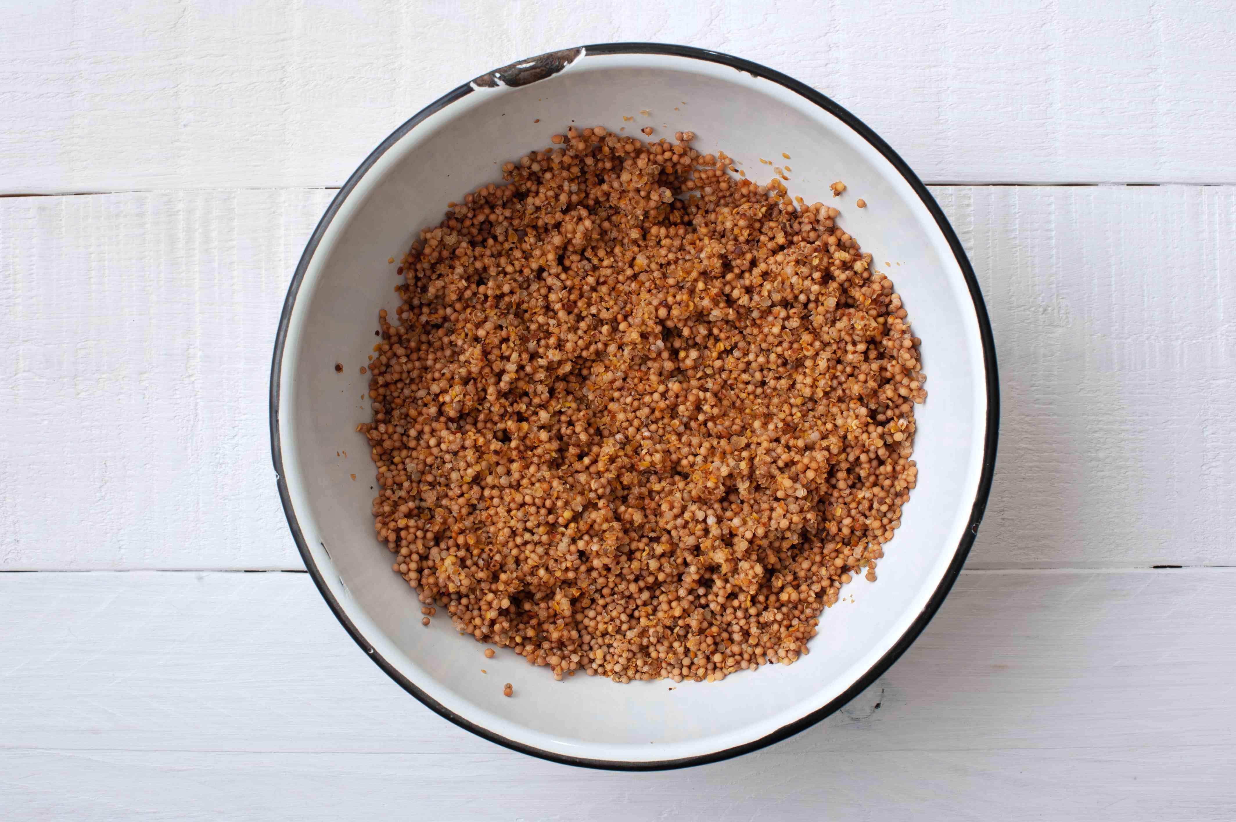 Mix mustard seeds