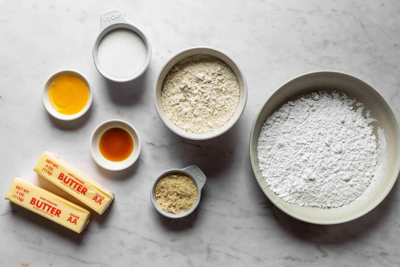 Polish Almond Crescent Cookies (Rogaliki) ingredients