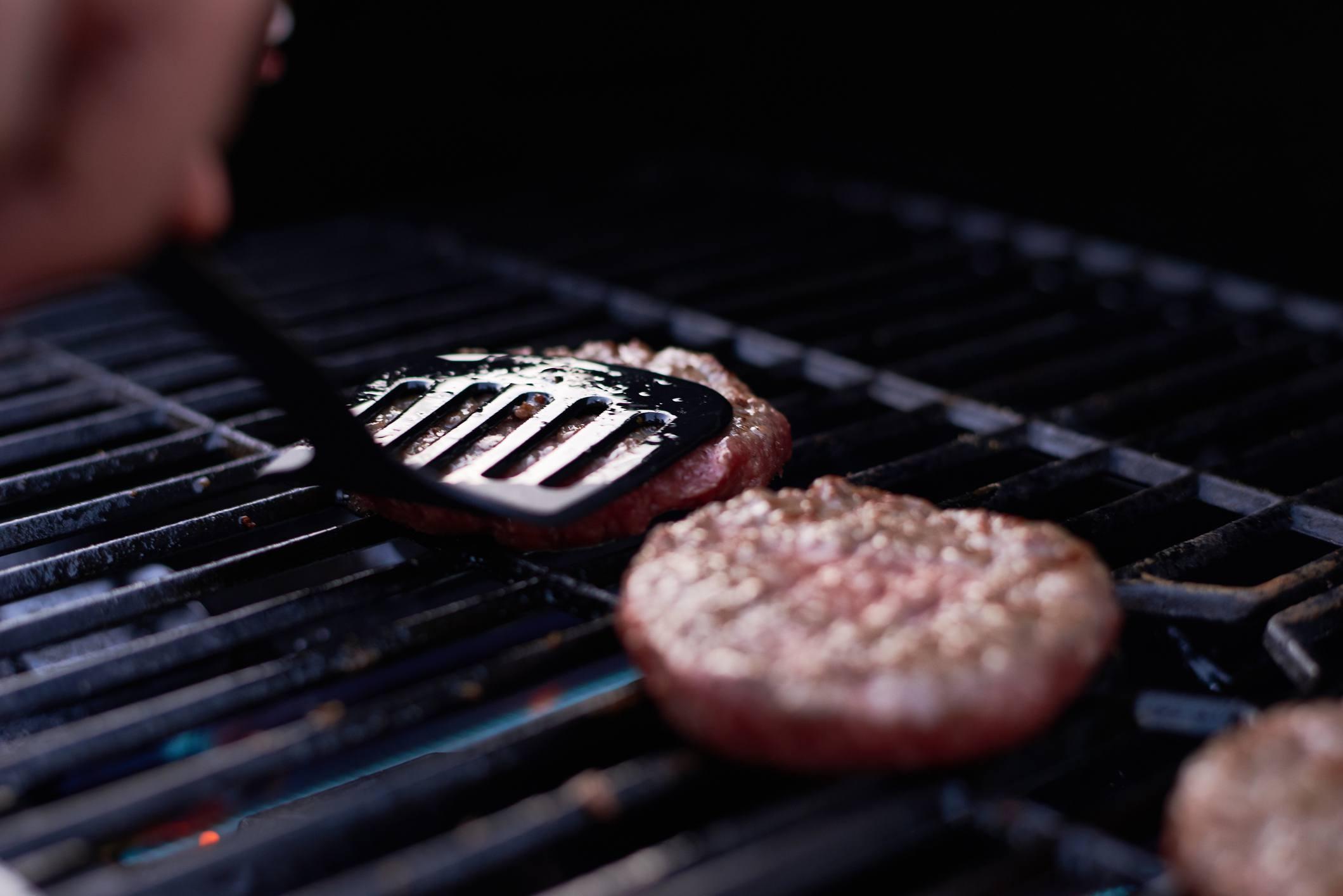 Pressing a burger