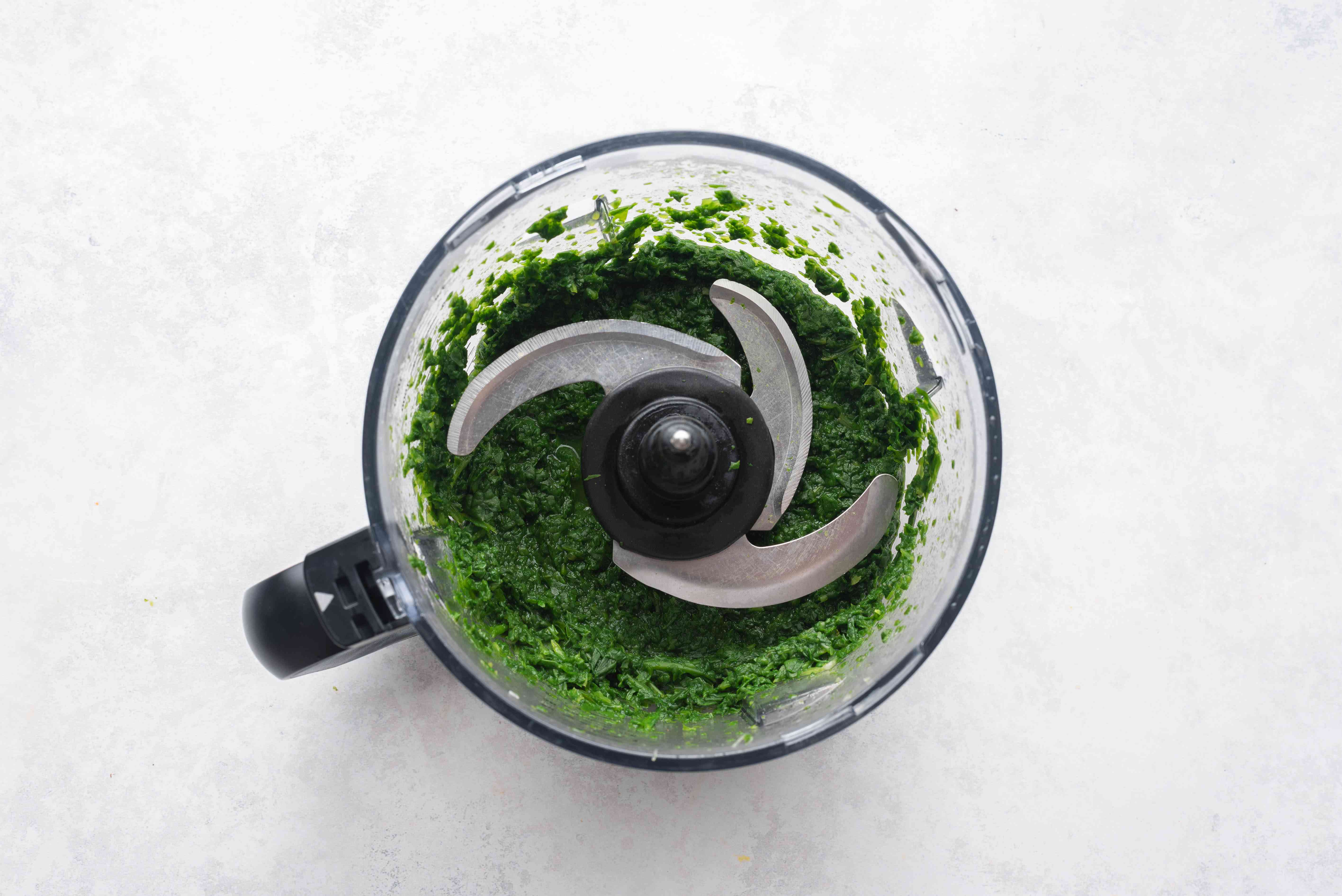 spinach in a food processor
