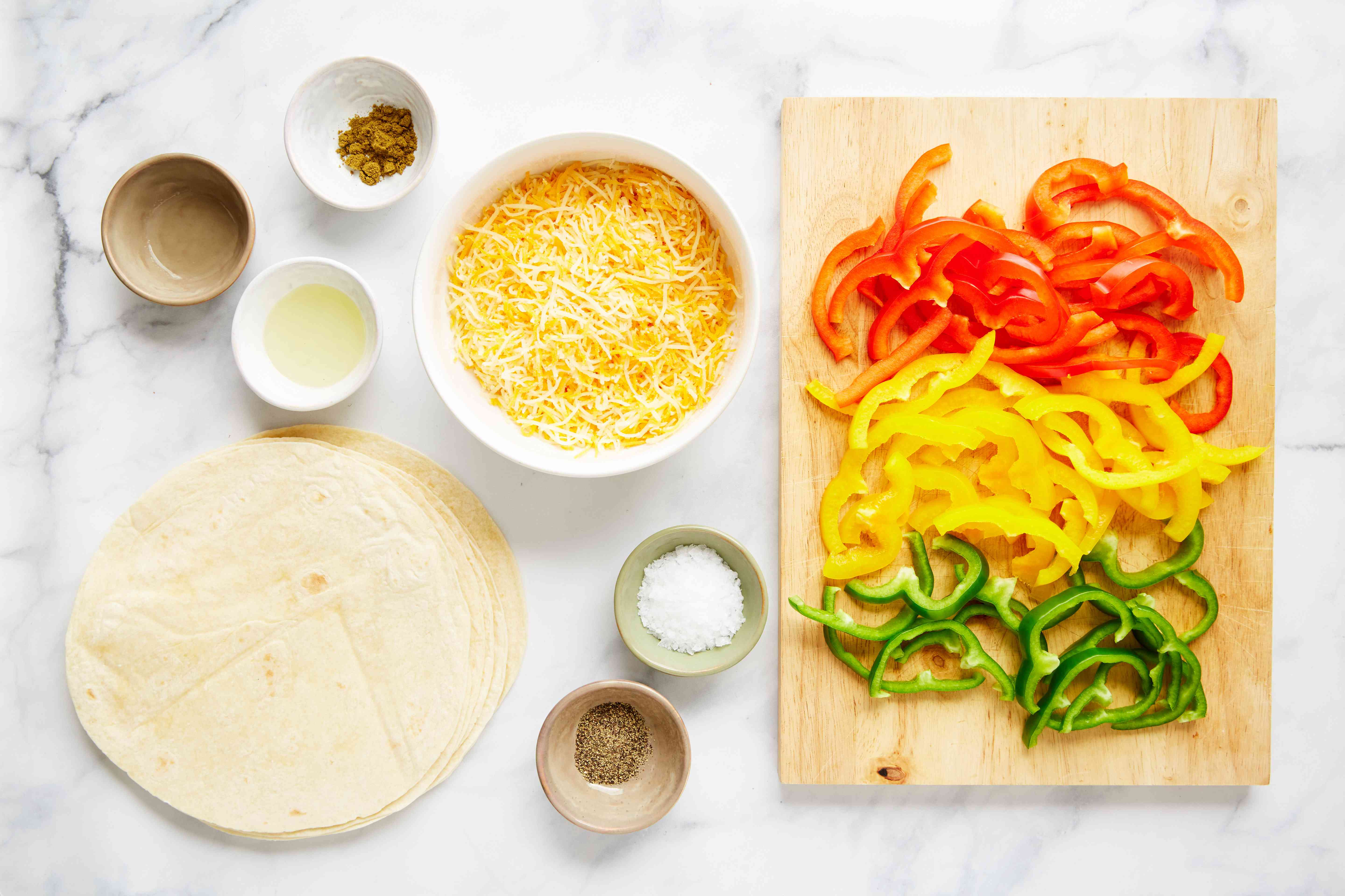 Ingredients for bell pepper quesadilla
