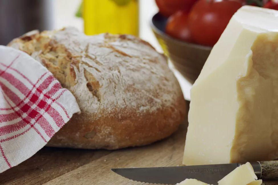Bread Machine Oregano and Romano Cheese Bread-
