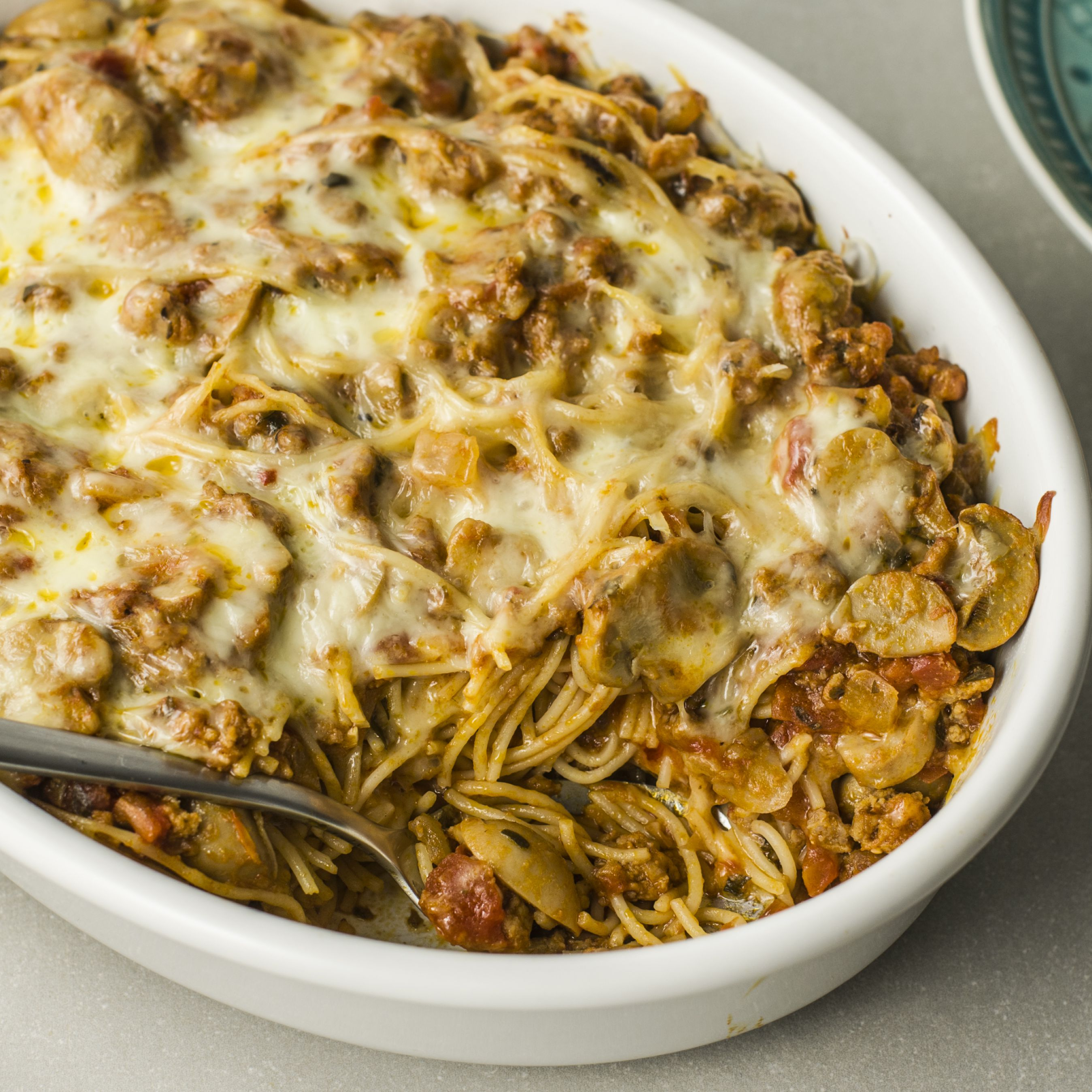Spaghetti Casserole With Ground Beef and Cheese