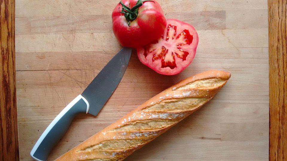 Pan de tomate catalán