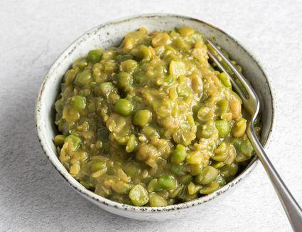 Traditional mushy peas recipe in a bowl