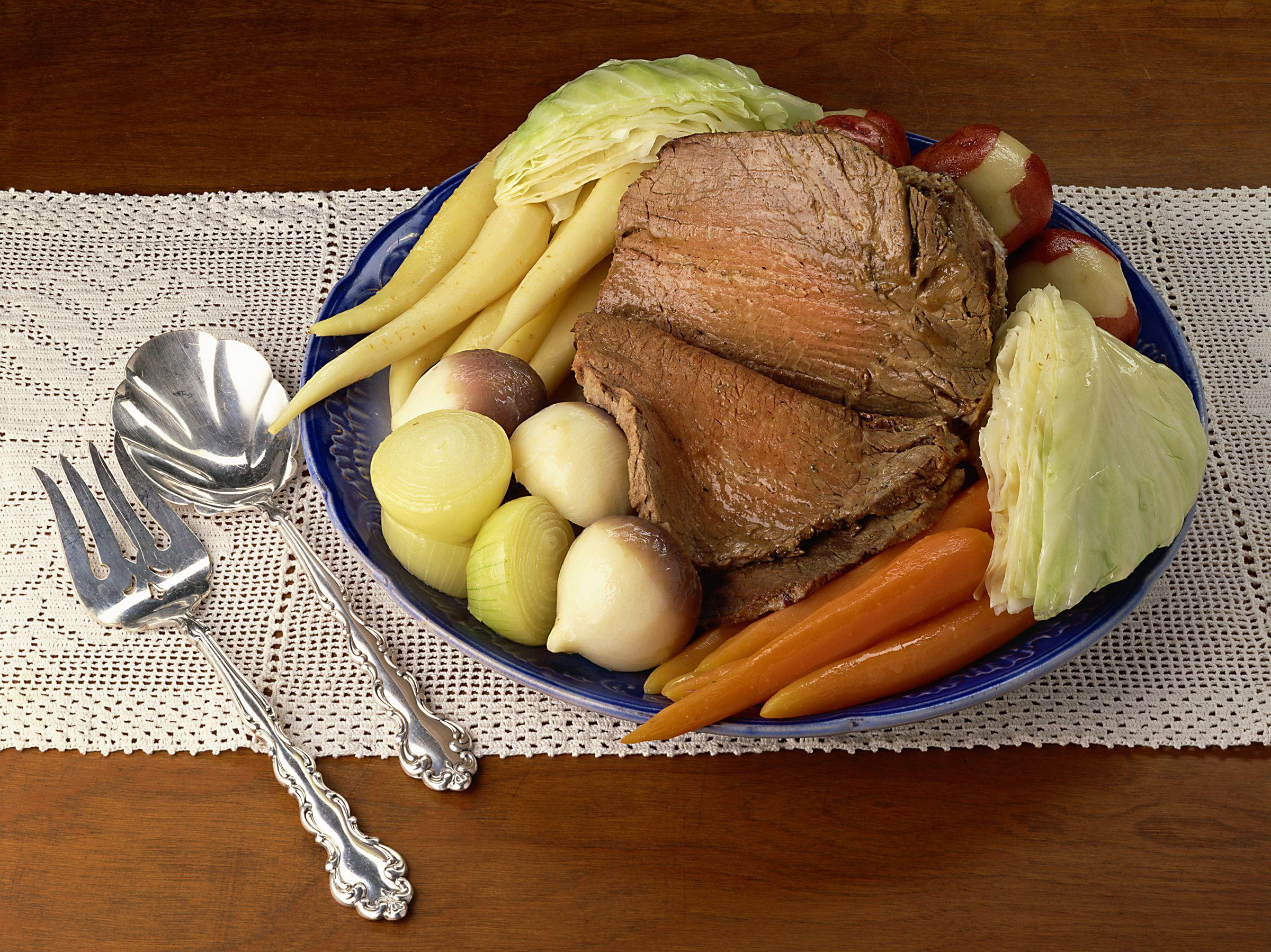 irish boiled dinner recipe, beef, potatoes, cabbage, st patricks day, receipts