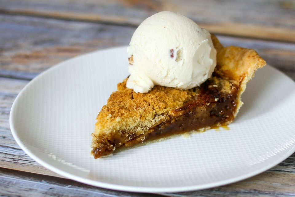 shoofly pie with ice cream