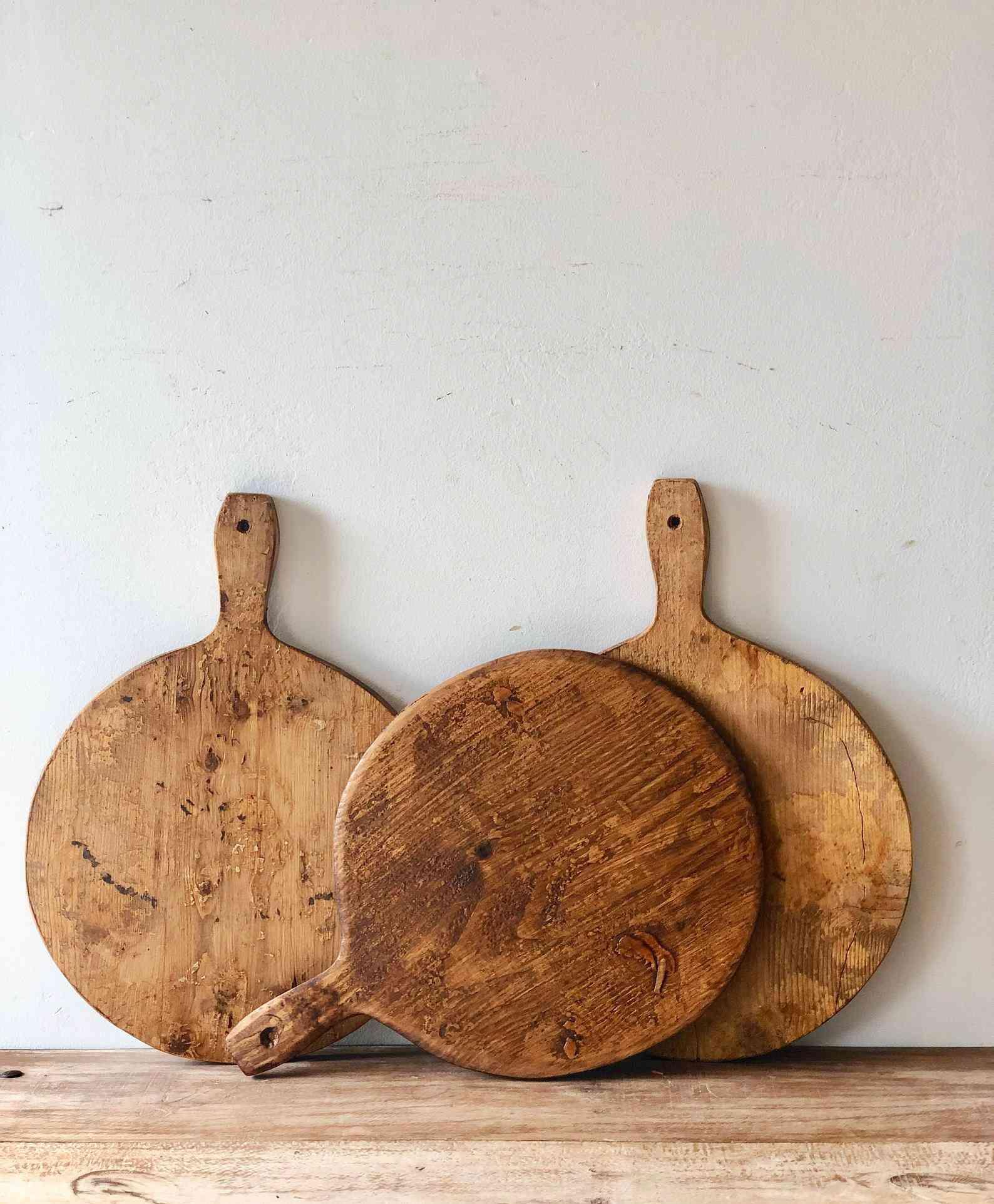 reclaimed-wood-cheese-board