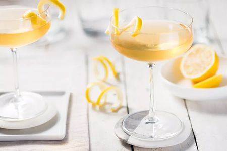 20 Essential Classic Brandy Cocktails You Should Know
