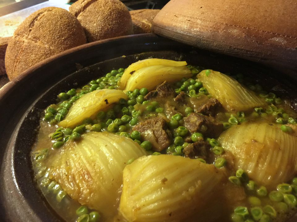Moroccan tagine with peas and fennel