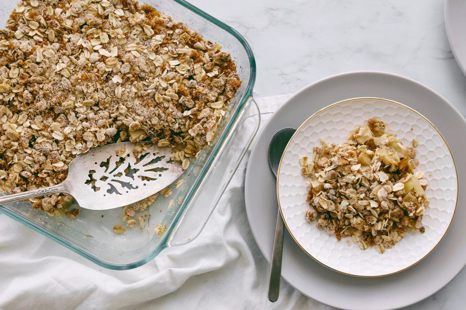 Low-Calorie Apple Crisp on a plate
