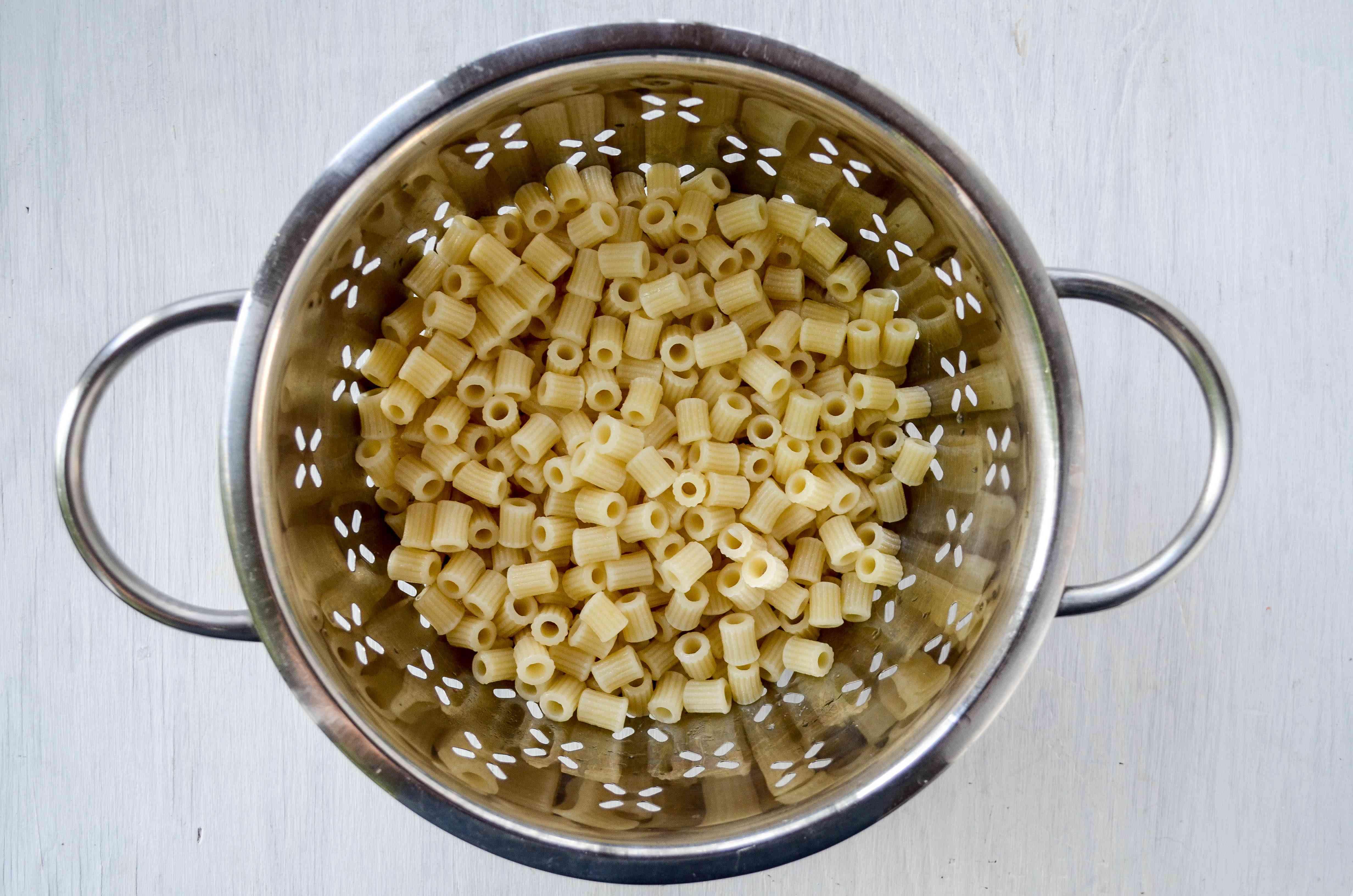 Cook pasta for Copycat Olive Garden Pasta e Fagioli