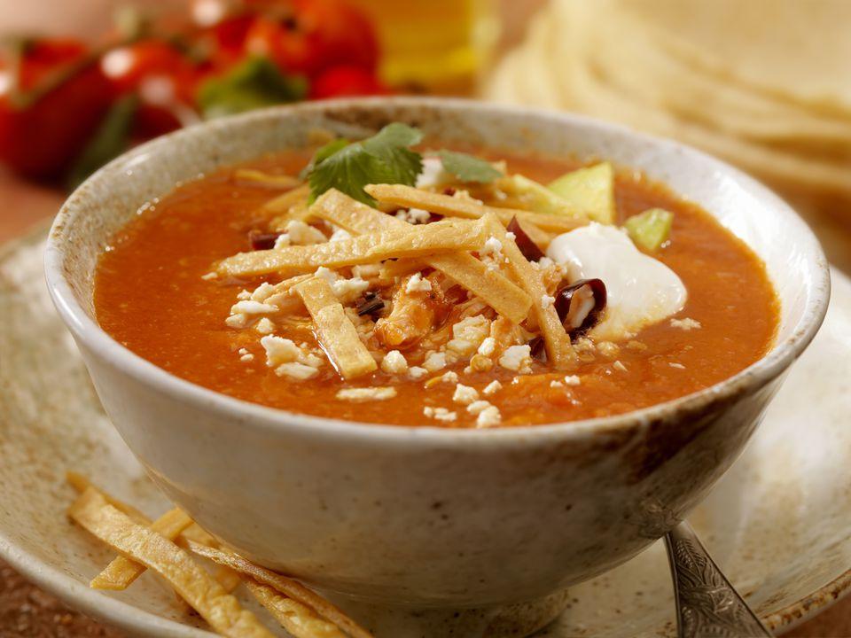 la famosa sopa de tortilla de El Torito