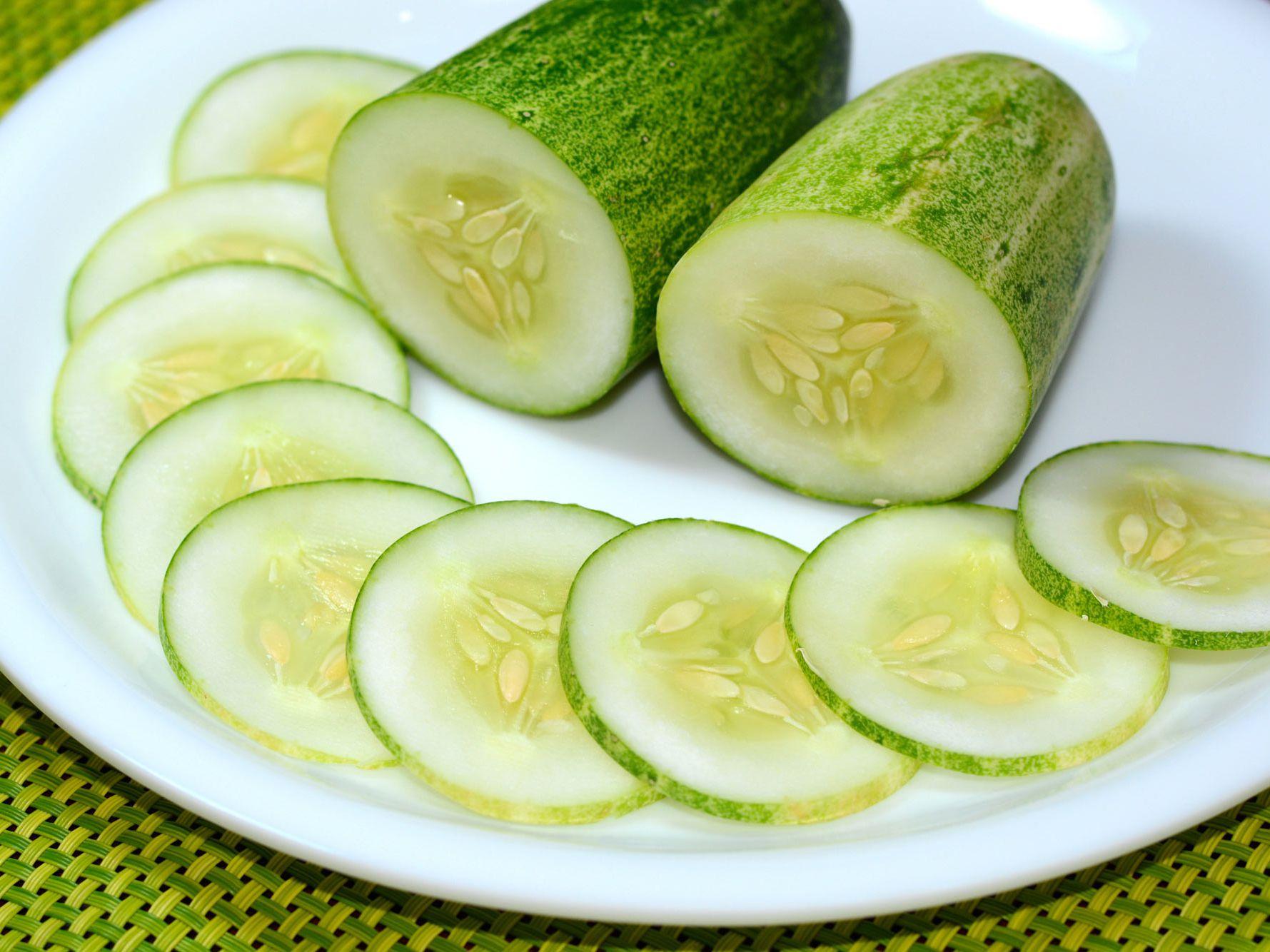 English Cucumbers Versus Regular Cucumbers