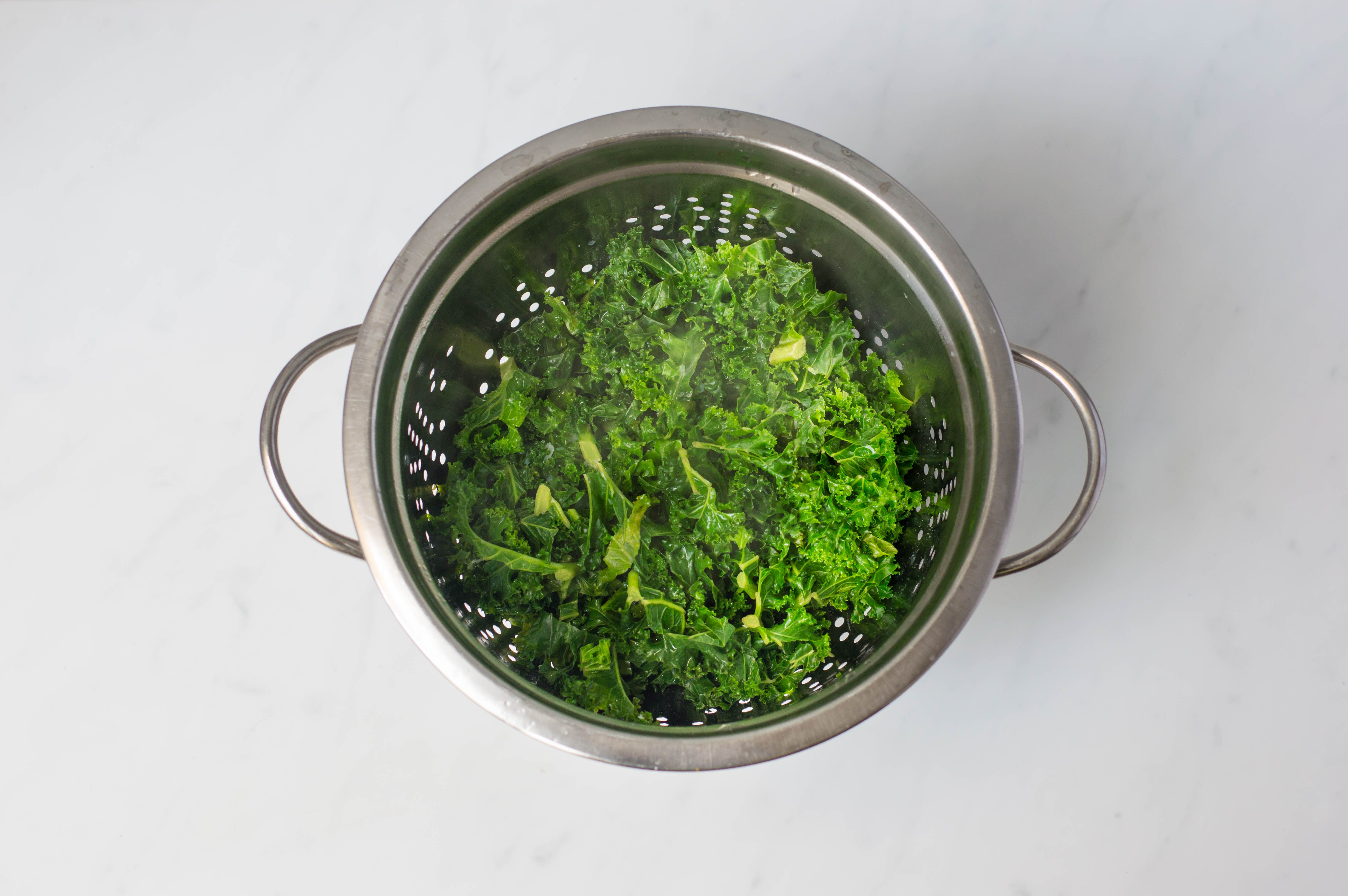 Draining the curly kale