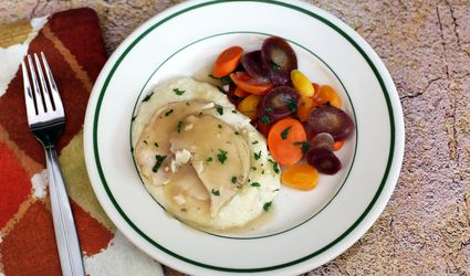 Creamy Grits With Turkey and Gravy