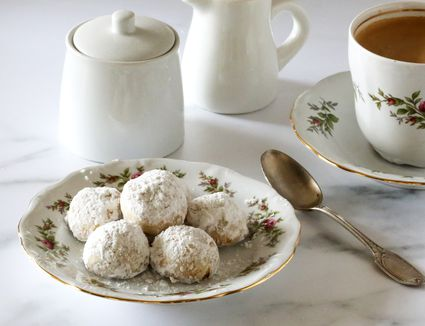 Mexican Wedding Cookies on a Plate