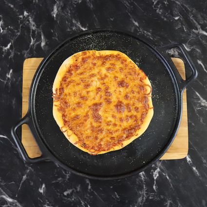 "Lodge 14"" Cast Iron Baking Pan"