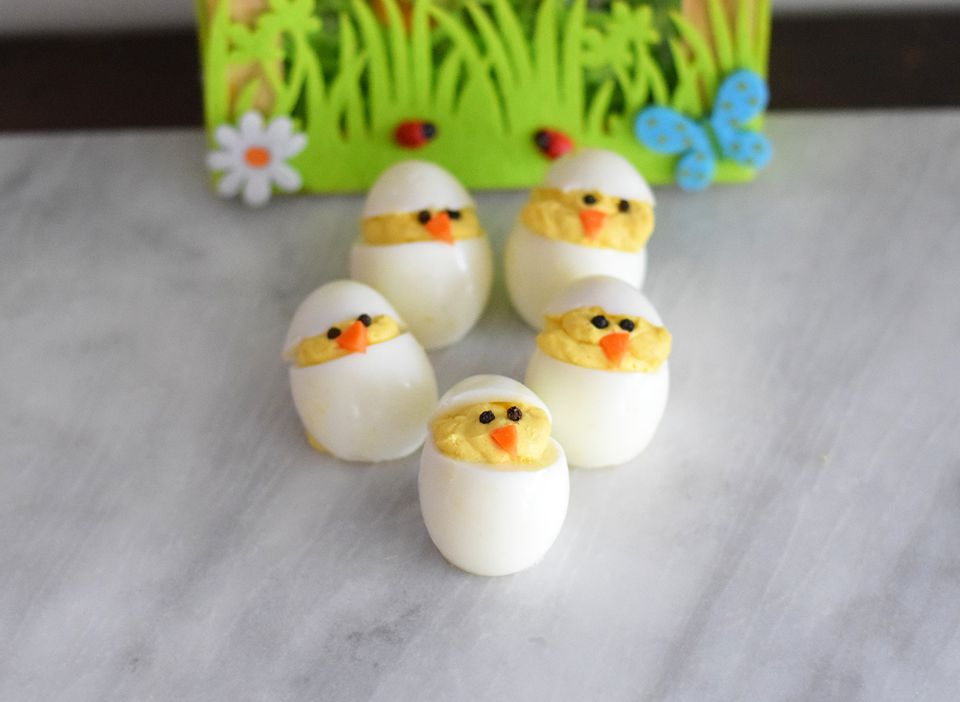 Pollitos de huevo rellenos de Pascua