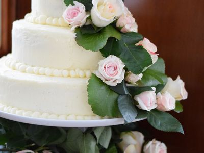 How To Make A Wedding Cake A Beginners Guide