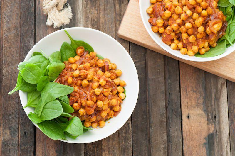 Receta simple y fácil de garbanzos y curry de coco