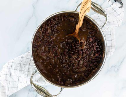 Easy Homemade Vegetarian Black Beans