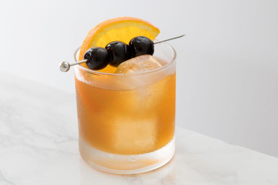 Simple Amaretto Sour Cocktail