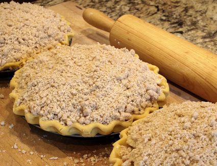 Homestyle Crumb Top Pie