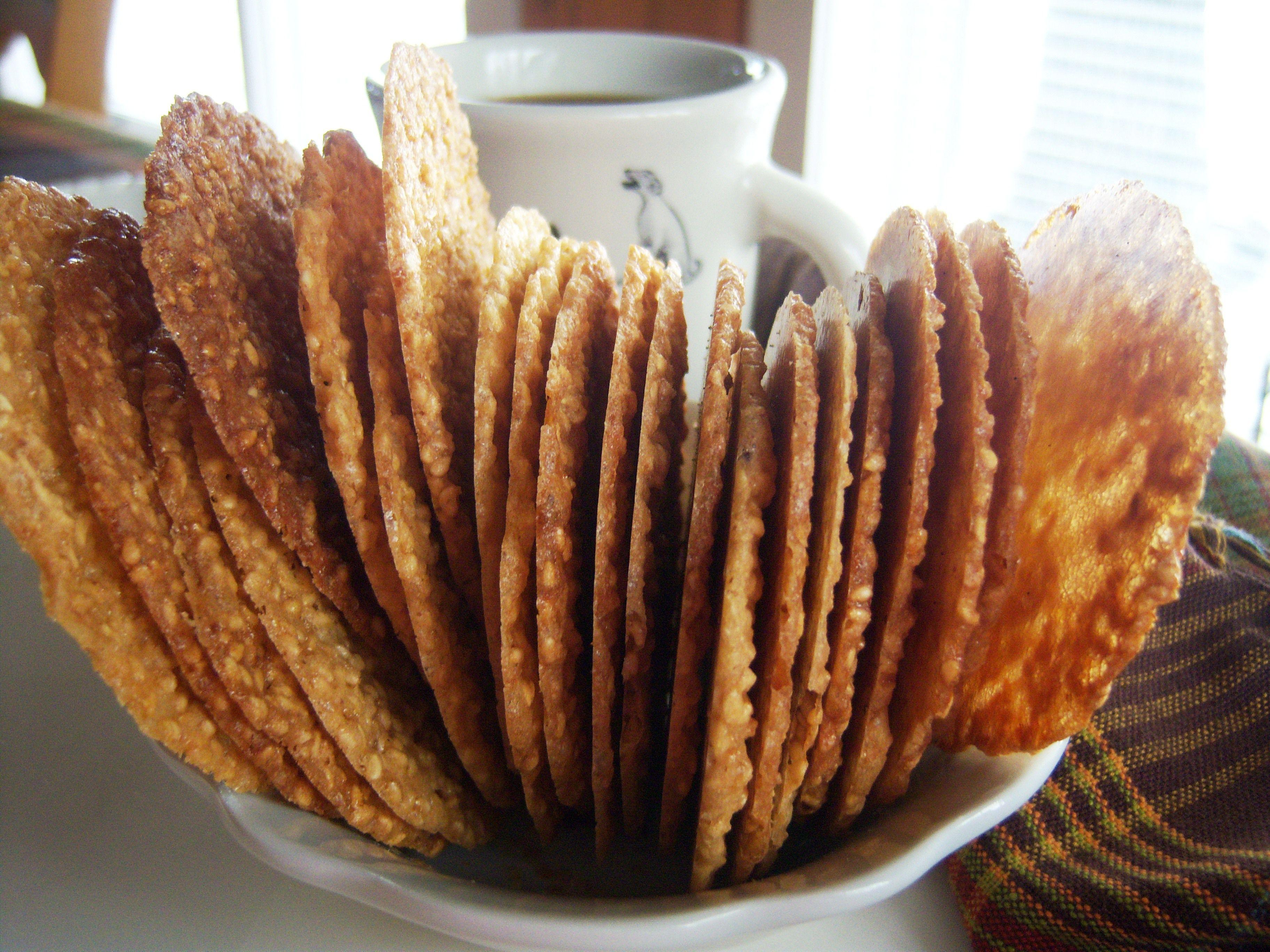 Gluten-free sesame crisp cookie