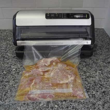 FoodSaver 2-in-1 Food Preservation System