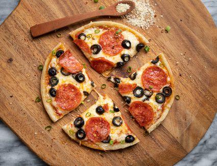 instant pot pizza sliced