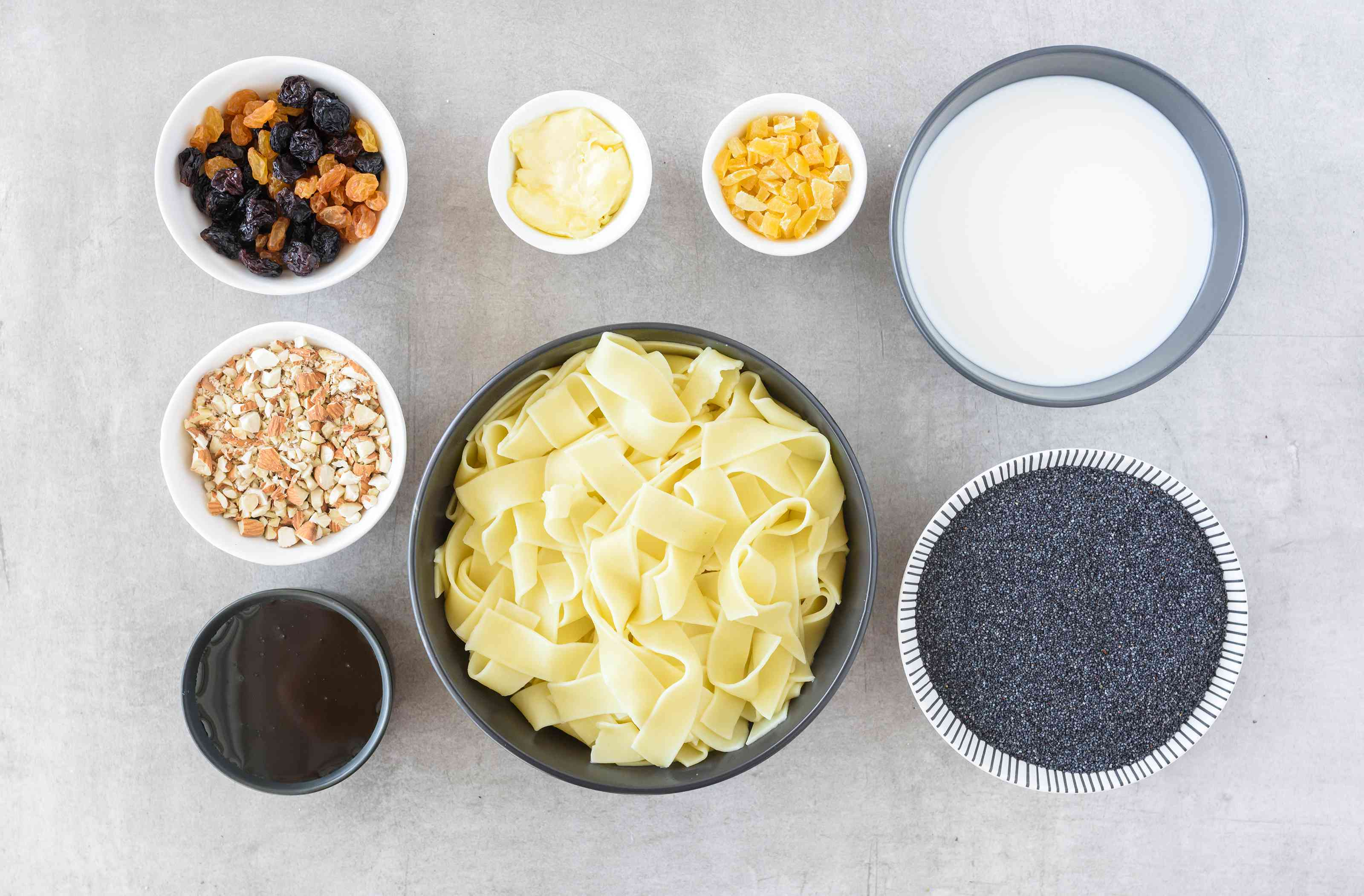 Ingredients for Polish noodles with poppyseeds