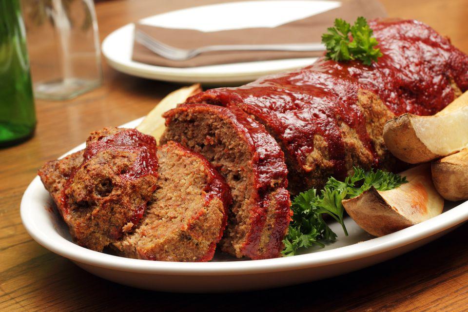 Pastel de carne con glaseado de salsa de barbacoa