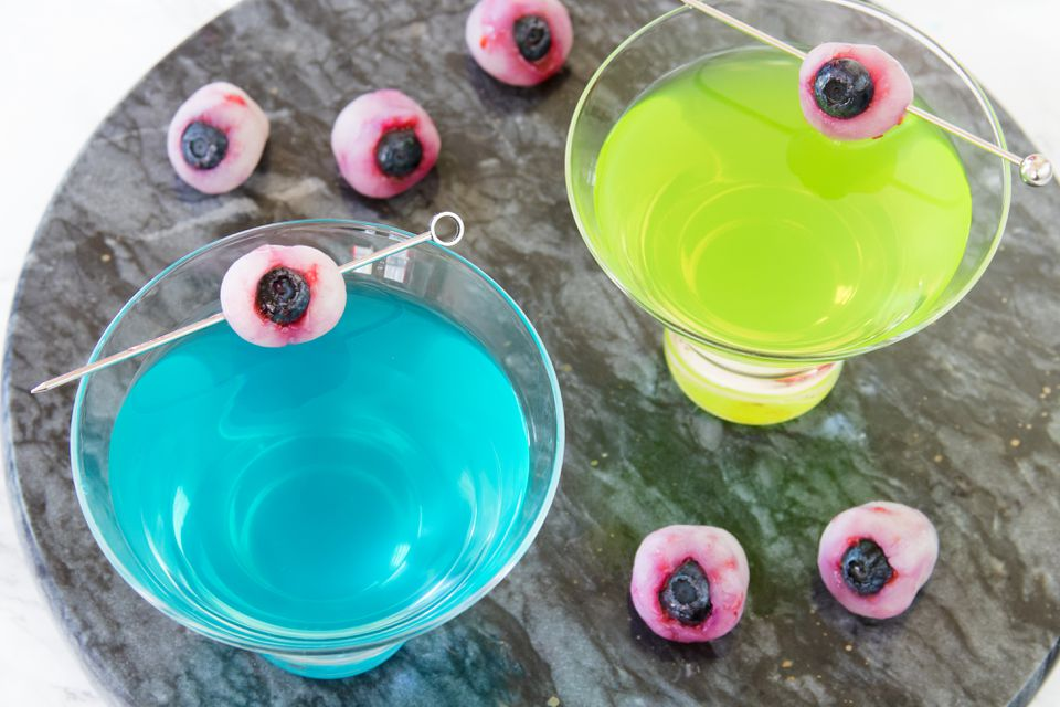 Creepy Lychee Eyeballs for Halloween Cocktails and Drinks