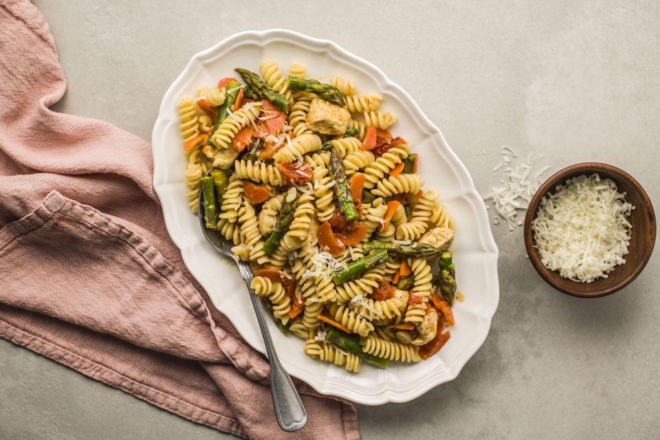 Garlic Chicken Primavera Pasta