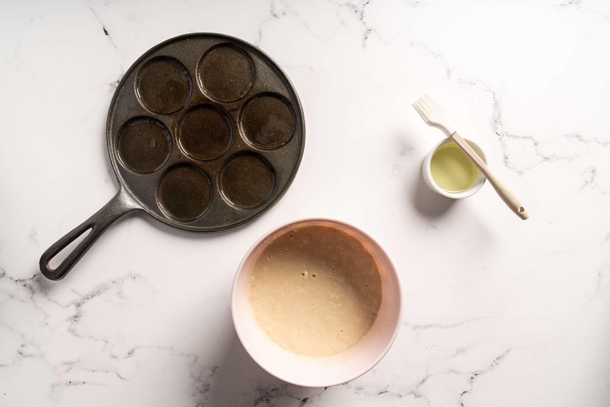 Silver dollar pancakes batter and silver dollar pancake pan