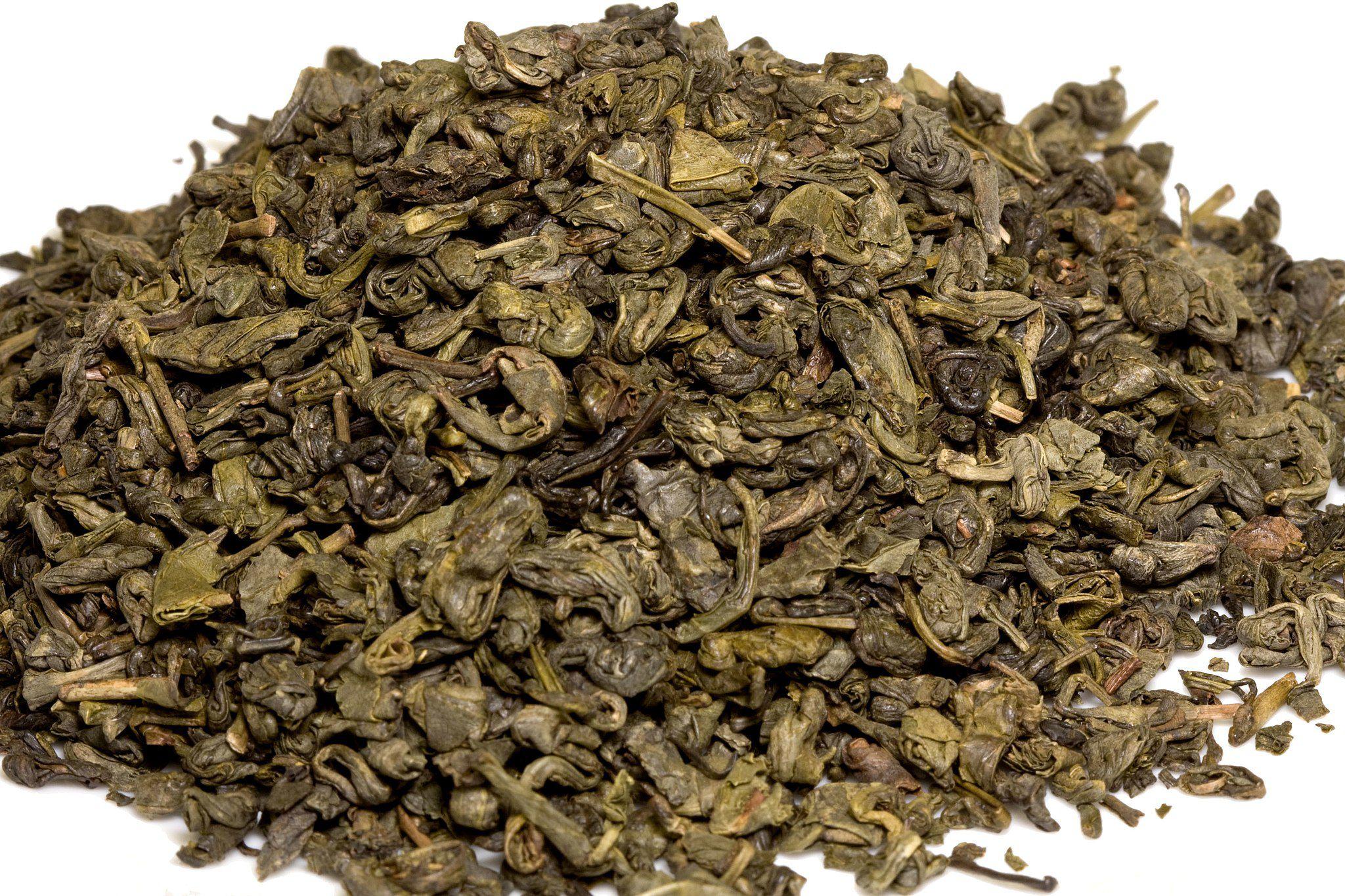 A small pile of Twinings gunpowder green tea.