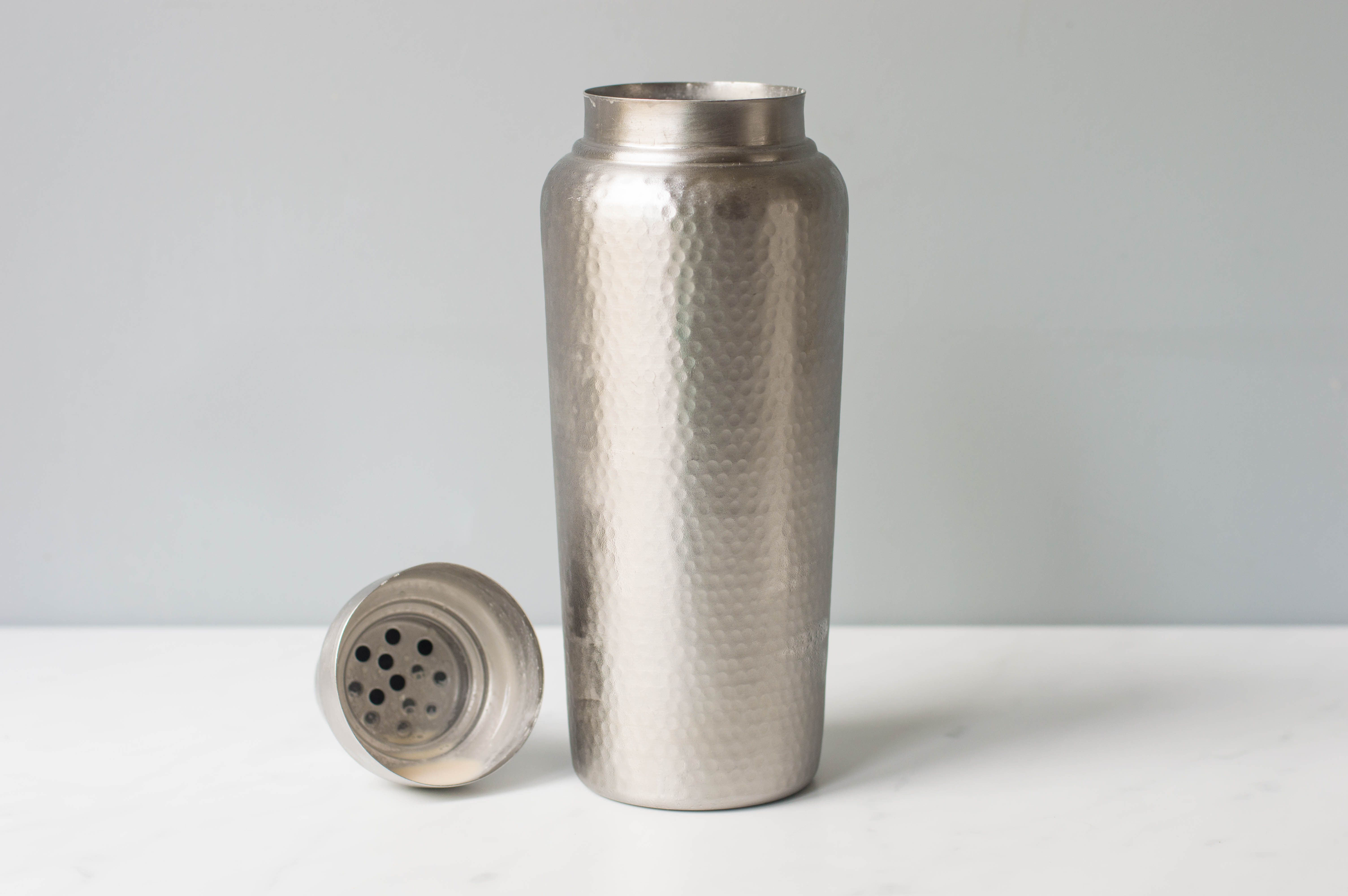 Cold cocktail shaker