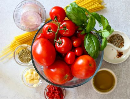 Ingredients for roasted tomato sauce.
