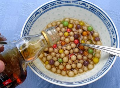 Adding Syrup to Drained Tapioca Pearls