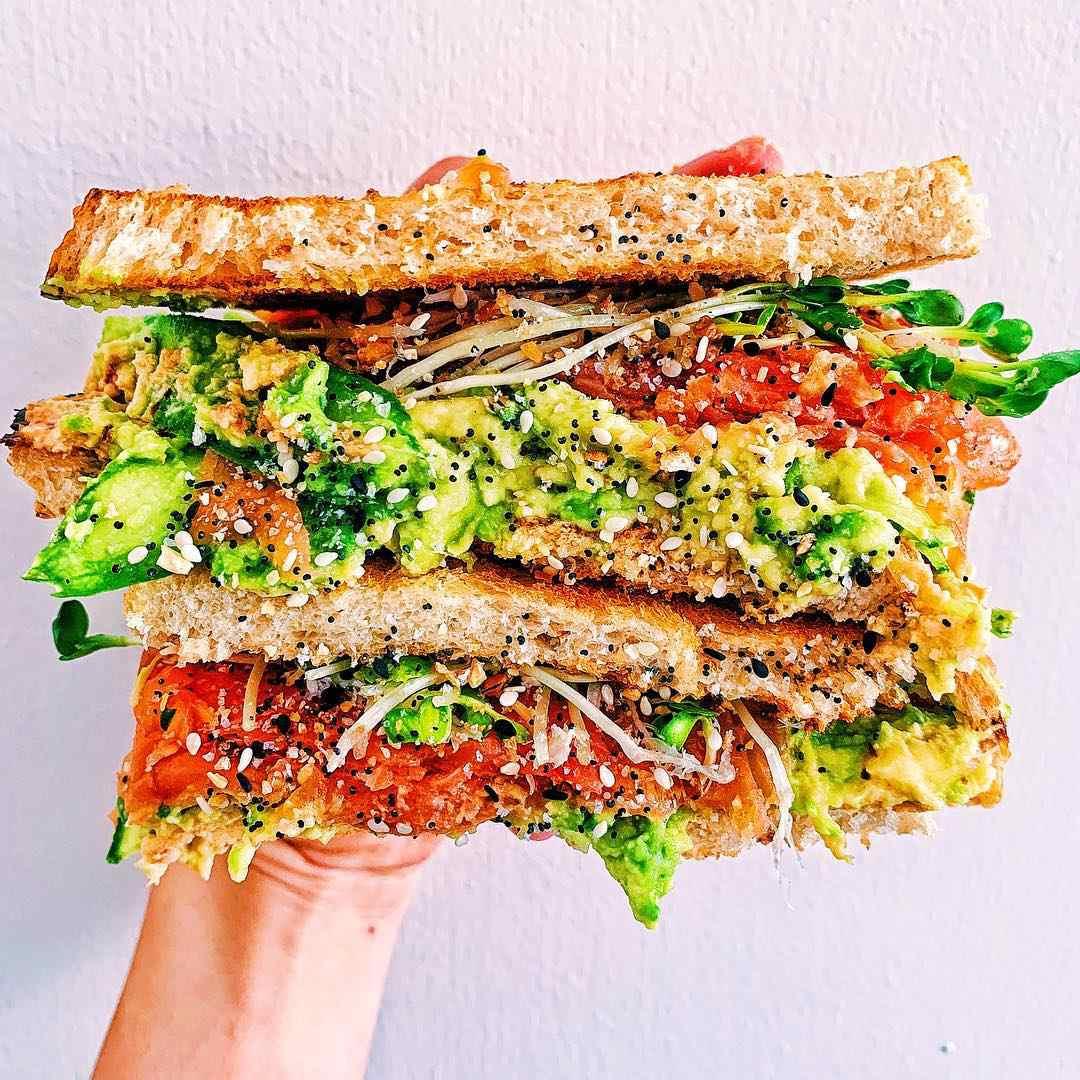 @kalememaybe - smoked salmon sandwich