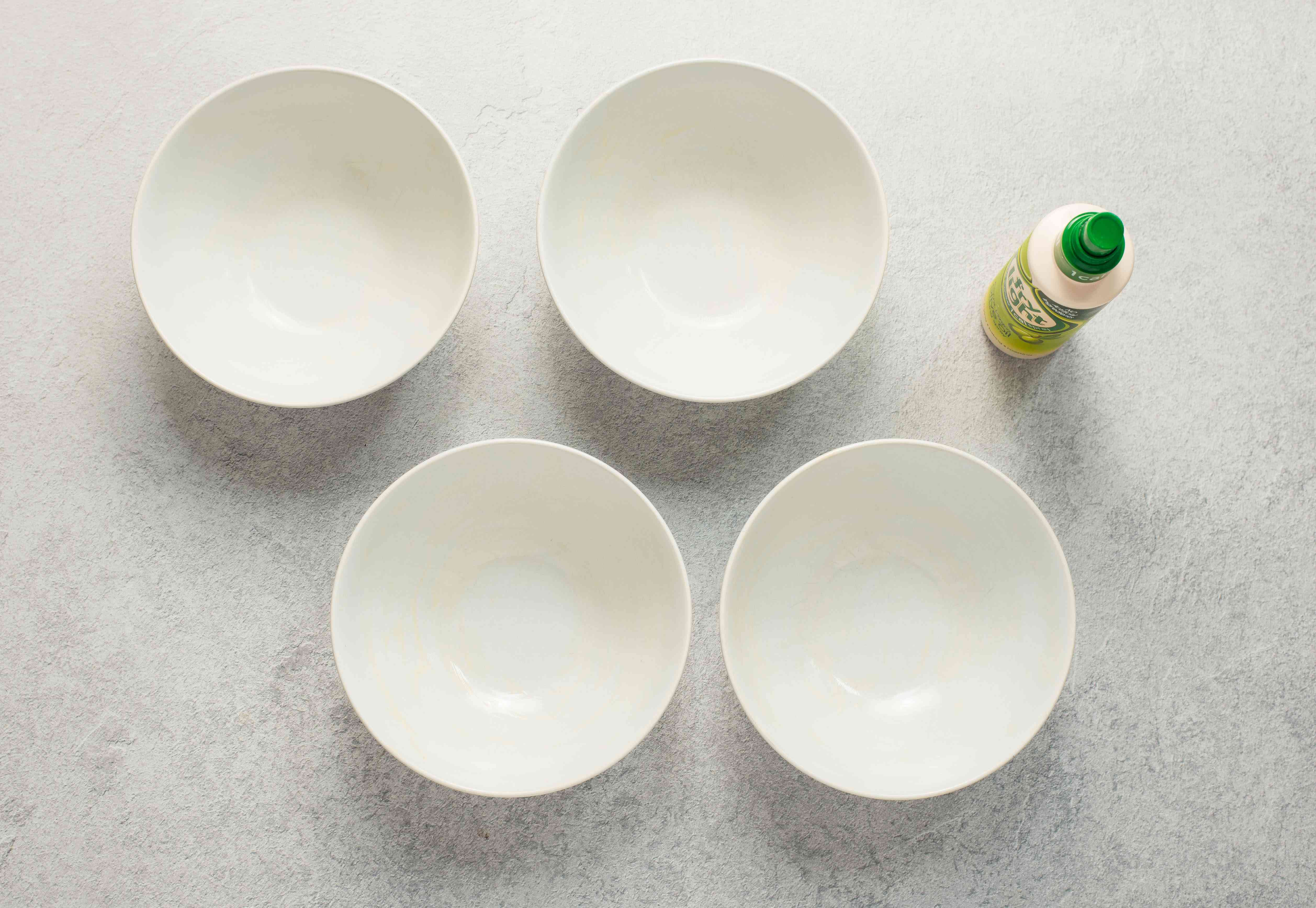 Coat bowls with olive oil
