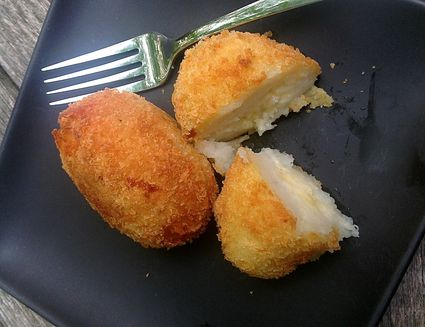 Cheesy Potato Croquettes - Easy Papas Rellenas Recipe