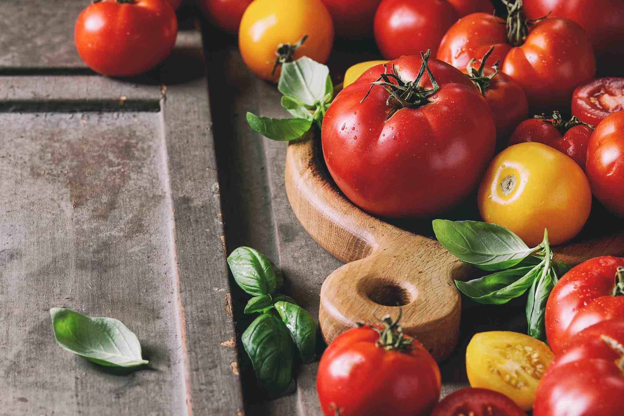 Ripe fresh tomatoes