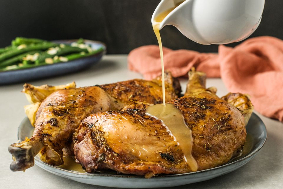 Quick gluten free turkey gravy