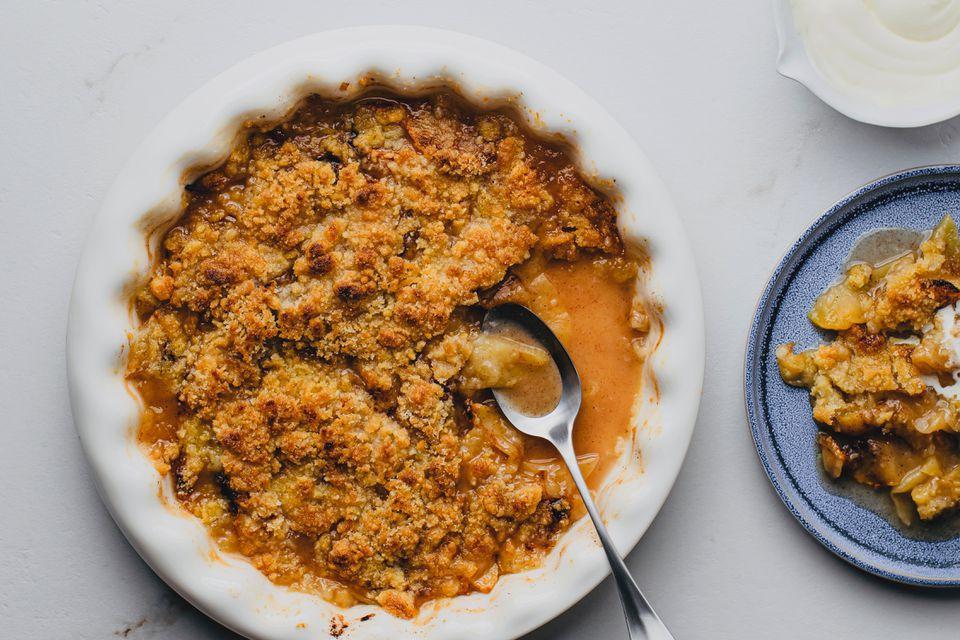 Baked Apple Crisp Dessert