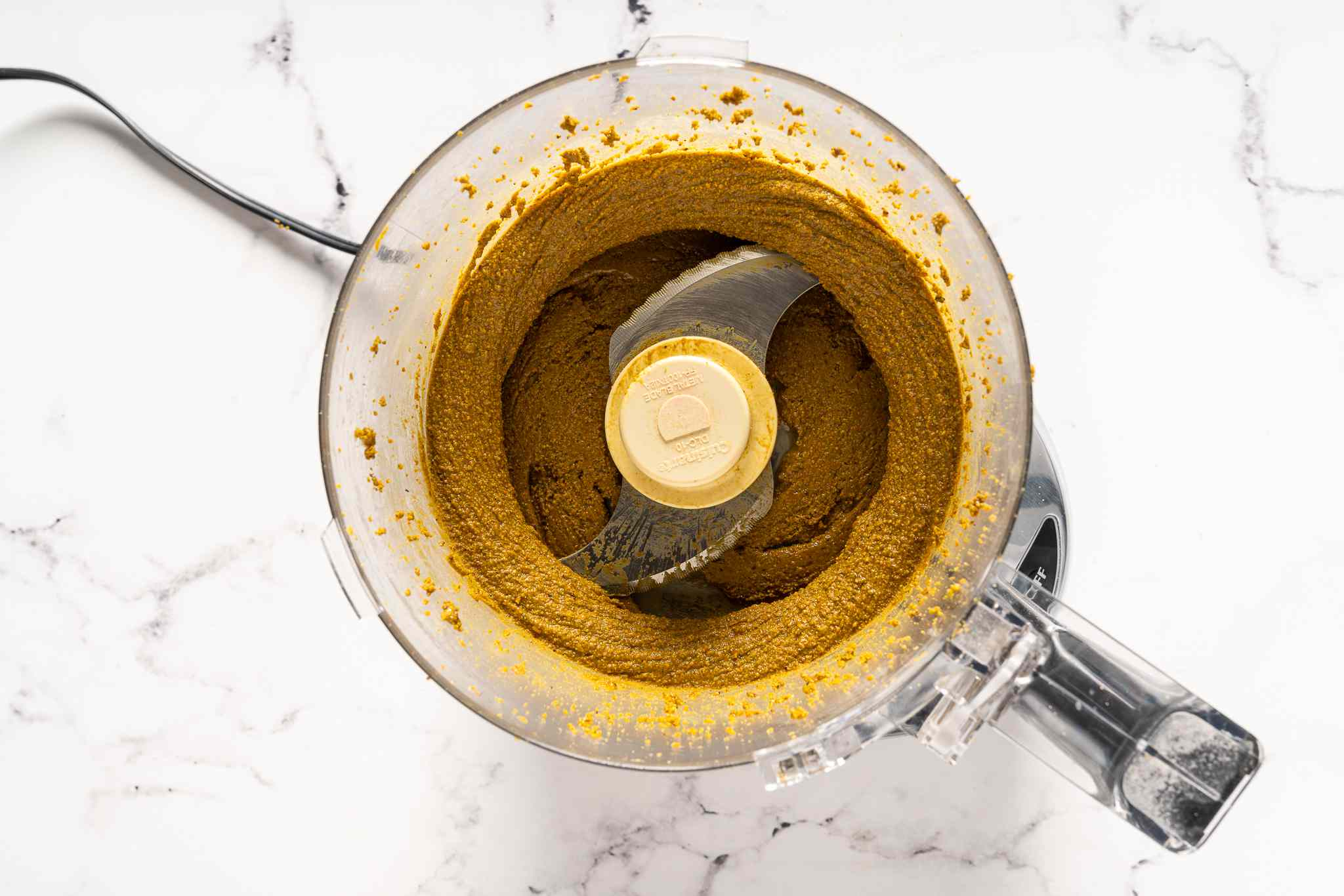 Pistachio butter in the food processor
