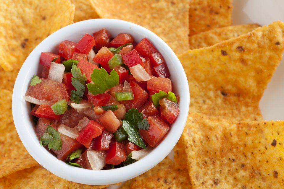 Fresh tomato salsa and chips