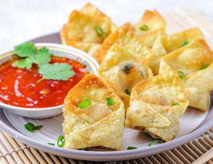 Fried wonton with shrimp and tofu