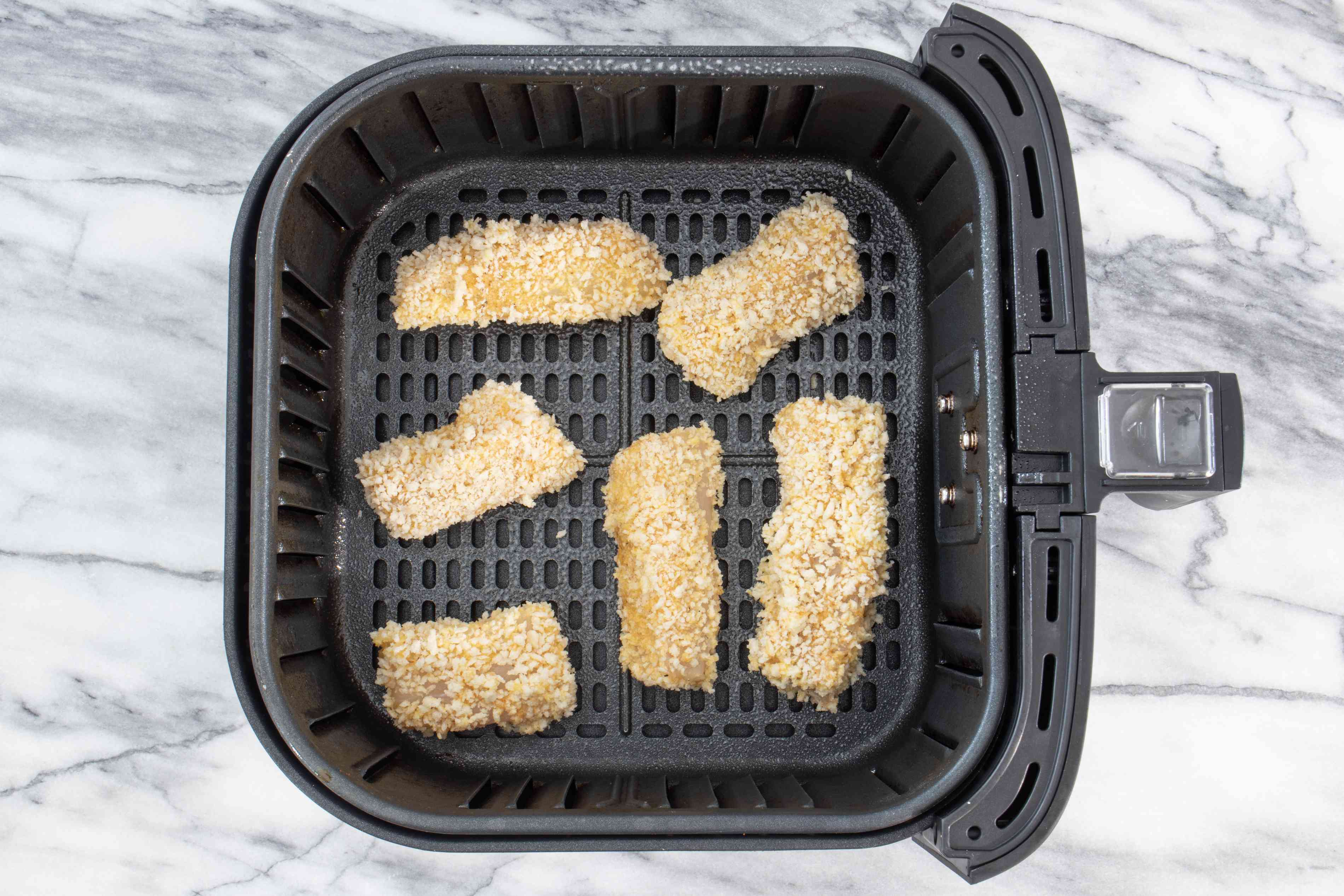 air fryer with fish sticks